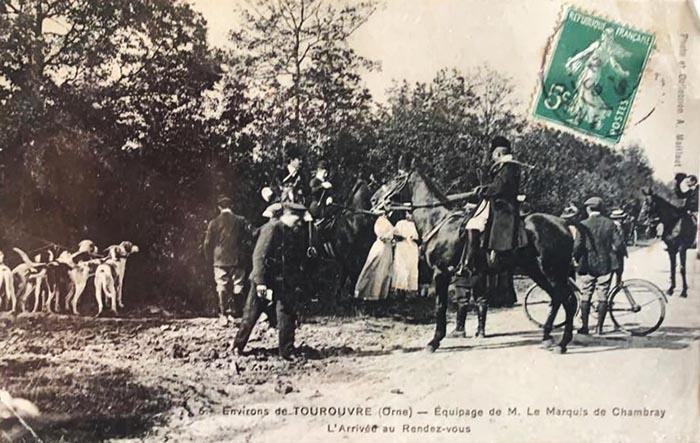 Carte postale (1900-1914) - Don à la Société de Vènerie - Equipage Chambray