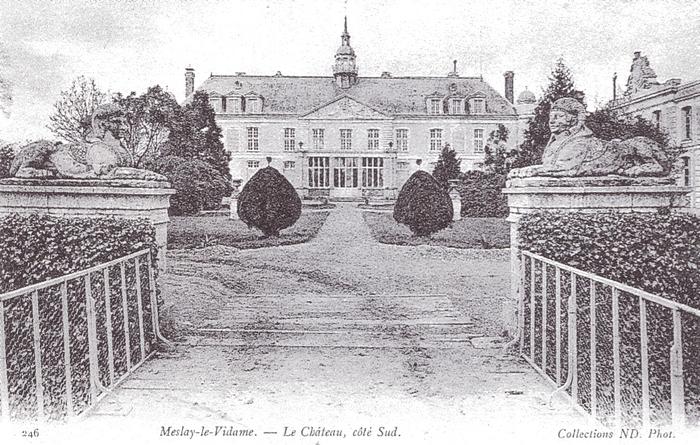 Le château de Meslay-le-Vidame - Tiré de l'ouvrage Deux Siècles de Vènerie à travers la France - H. Tremblot de la Croix et B. Tollu (1988)