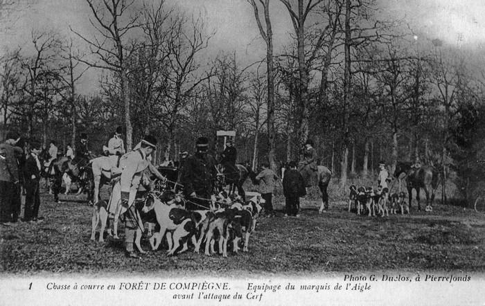 En forêt de Compiègne - Don de M. P. Mauranges à la Société de Vènerie