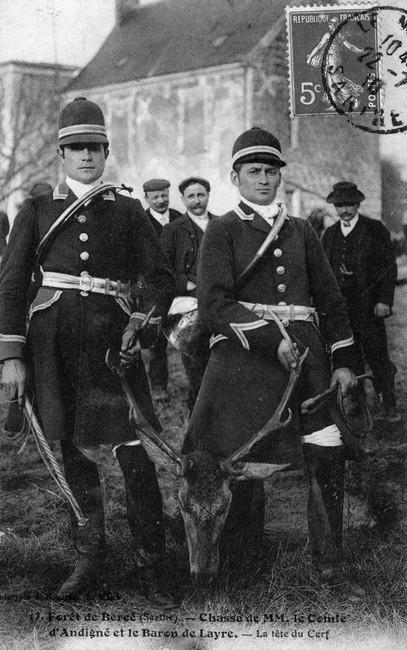 Trois équipages (Champchevrier, Rallyes Bercé et Sapinette) en forêt de Bercé - Don de M. P. Mauranges à la Société de Vènerie - 2