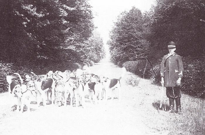 Equipage de la Giraudais - Tiré de l'ouvrage Deux Siècles de Vènerie à travers la France - H. Tremblot de la Croix et B. Tollu (1988)