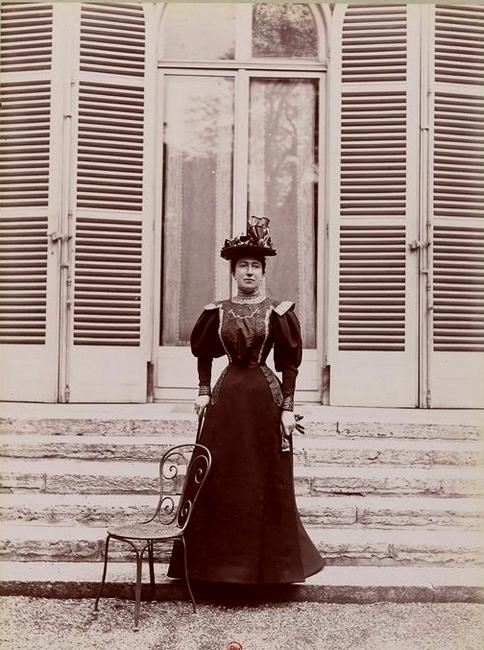 Madame la marquise d'Aligre - Tiré de l'ouvrage L'Equipage du marquis de Chambray - Photos de Maurice de Gasté (1894) - Bnf (Gallica)