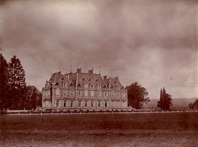 Lonray - Tiré de l'ouvrage L'Equipage du marquis de Chambray - Photos de Maurice de Gasté (1894) - Bnf (Gallica)