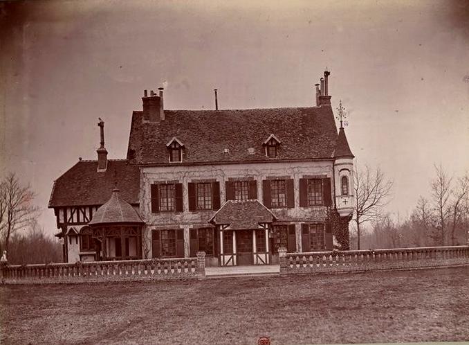 Pavillon de la Fresnaye - Tiré de l'ouvrage L'Equipage du marquis de Chambray - Photos de Maurice de Gasté (1894) - Bnf (Gallica)