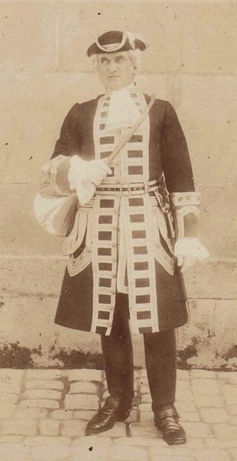 Piqueur en tenue Louis XV - Don de M. A.-P. Baudesson à la Société de Vènerie