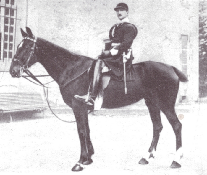 Jean de Viennay en 1927 - Rallye Saosnois - Tiré de l'ouvrage Deux Siècles de Vènerie à travers la France - H. Tremblot de la Croix et B. Tollu (1988)