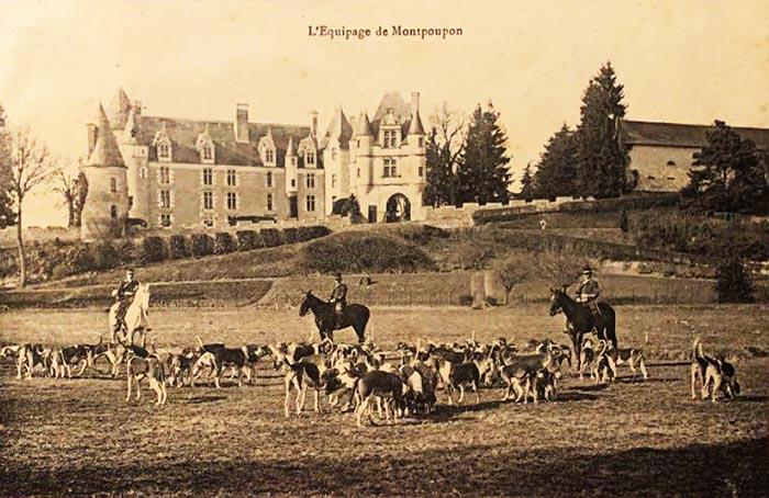 Carte postale (1900-1914) - Don à la Société de Vènerie - Equipage de Montpoupon
