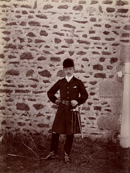 R. de Longcamp - Tiré de l'ouvrage L'Equipage du marquis de Chambray - Photos de Maurice de Gasté (1894) - Bnf (Gallica)