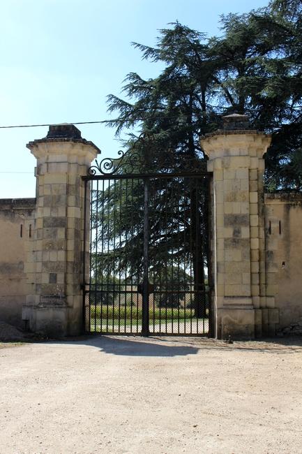 La grille du parc que franchissait la meute pour se rendre en forêt (Photo : courtoisie) - www.chateau-azay-le-ferron.com