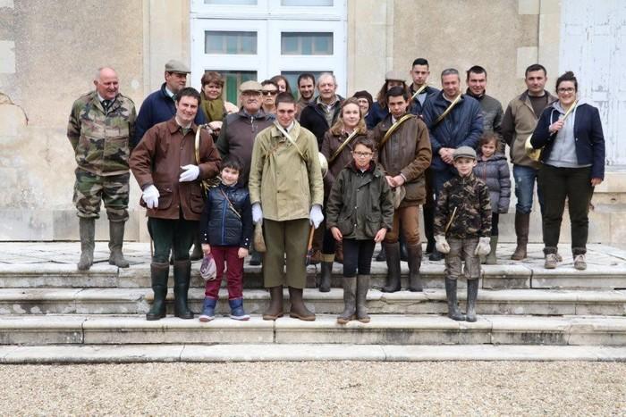 Rallye Tiens Bon Charente - Don de M. J.-P. Peronnaud à la Société de Vènerie