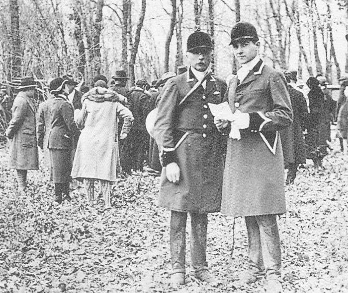 M. Richard et son fils Louis - Tiré de l'ouvrage Deux Siècles de Vènerie à travers la France - H. Tremblot de la Croix et B. Tollu (1988)