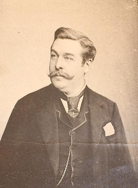 Le comte Robert de L'Aigle en 1890, alors député monarchiste, élu depuis octobre 1885 - Collection particulière - Don à la Société de Vènerie