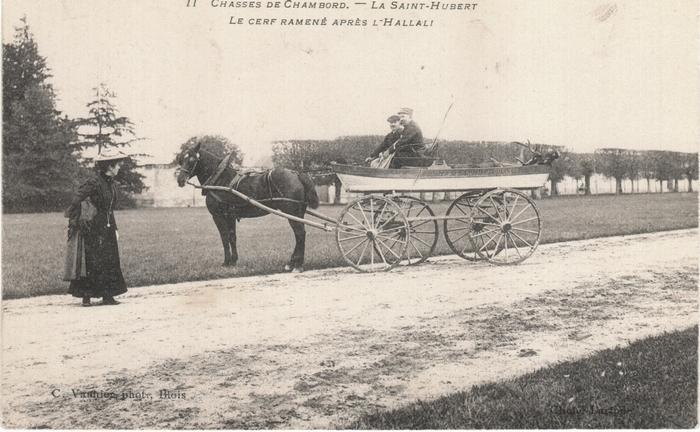 La barque à roues inventée par le comte Auguste de La Rochejaquelein, utilisée ici par l'Equipage de Cheverny