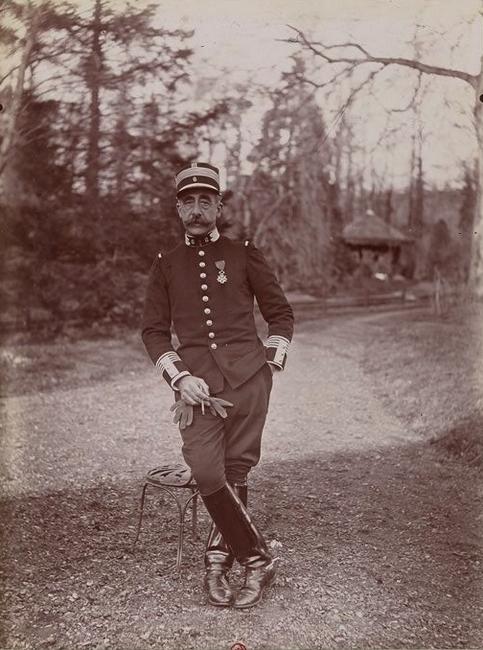 Le colonel de Lestapis - Tiré de l'ouvrage L'Equipage du marquis de Chambray - Photos de Maurice de Gasté (1894) - Bnf (Gallica)