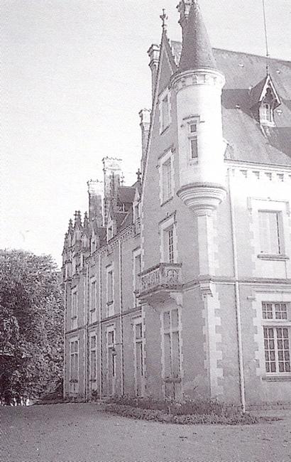 Le château de Chandaire - Tiré de l'ouvrage Deux Siècles de Vènerie à travers la France - H. Tremblot de la Croix et B. Tollu (1988)