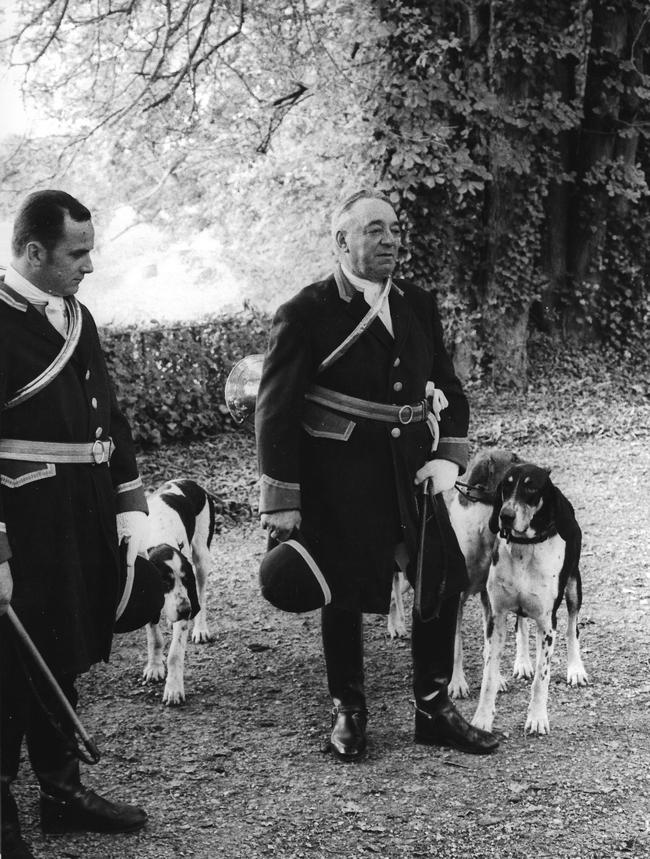 Sainson 1973-1974 - Débûcher et Hubert Colladant - Photo de Georges Hallo - Don de M. J.-G. Hallo à la Société de Vènerie